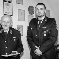 Auszeichnung von H.G. Götze für 70 Jahre Feuerwehr